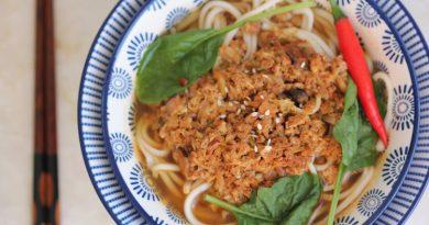 Soupe  aux nouilles, champignons et œufs
